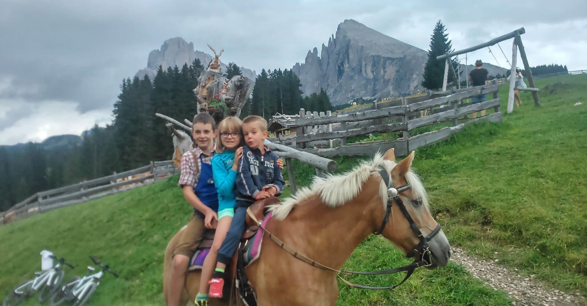 Kinderurlaub auf dem Bauernhof in Kastelruth/Südtirol