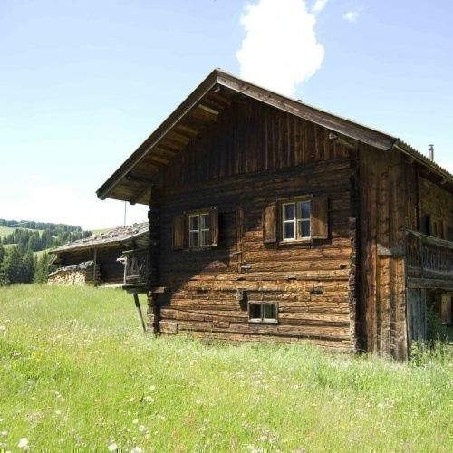 silvester-huettedas-romantik-erlebnis-schlechthin-eine-almhuette-auf-der-seiser-alm-mietenl-07